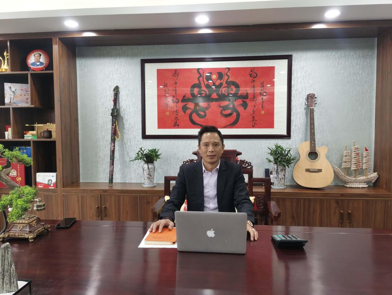 中国中医文化宣导者肖书兵