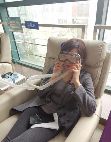 久拖不治!女白领被干眼症折磨5年之久 致眼部睑板腺萎缩