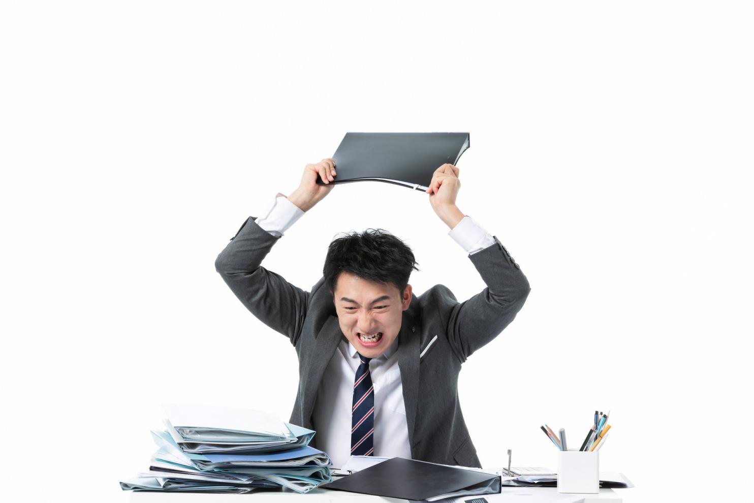 摄图网_501545339_banner_商务男性工作崩溃摔文件夹(非企业商用)