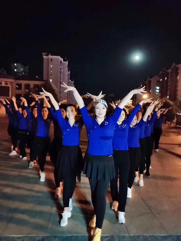 我为战疫出份力,颖儿炫舞团用自己的行动为舞团代言!